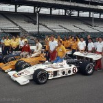 1972 Indianapolis, 56th Indy 500 – winner Mark Donohue (McLaren-Offy), Roger Penske, Peter Revson, Teddy Mayer, Dan Gurney, Bobby Unser and many helping hands, even two from Switzerland; photographed by Pete Birro, USA