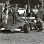 1969 Modena, Aeroautodromo – first appearance and test drive for Chris Amon in the Ferrari F1 312 surrounded by Giulio Borsari, Carlo Amadessi and other testing personnel, Mauro Forghieri is waiting behind the Mini